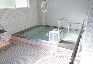 共同浴室、個人浴室の利用が可能です。